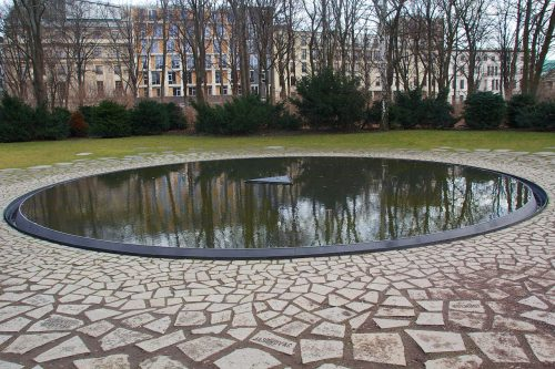 "PUBLIC STATEMENT OF THE EUROPEAN ROMA INSTITUTE FOR ARTS AND CULTURE (ERIAC)REGARDING THE ""MEMORIAL TO THE SINTI AND ROMA VICTIMS OF NATIONAL SOCIALISM"", THREATENED BY PLANS OF THE DEUTSCHE BAHN"